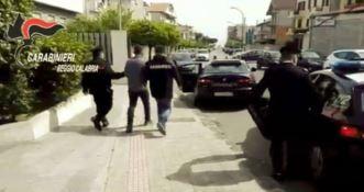 Tentano di estorcere 500 mila euro ad imprenditore, arrestati padre e figlio NOMI-FOTO-VIDEO