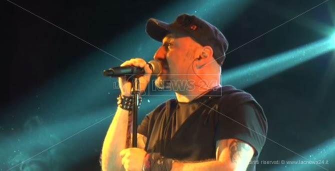Massimiliano Iannino, frontman della Vasco Rock Show Tribute Band