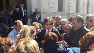 Reggio, gli ex dipendenti della Multiservizi si difendono: «Noi Lsu di diritto»