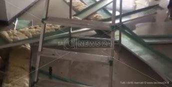Vandali in azione a Locri, allagato l'ospedale - VIDEO