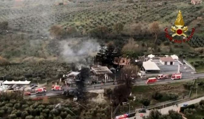 Esplosione distributore a Rieti