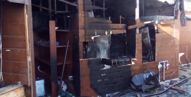 Il lido distrutto dalle fiamme