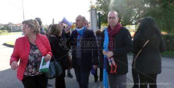 Lamezia Terme, i dipendenti comunali scioperano e scendono in strada