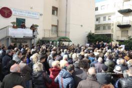Manifestazione di protesta a Reggio per la chiusura del centro clinico De Blasi