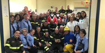 I vigili del fuoco e il personale sanitario