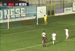 Vibonese, post Siracusa: Gomis tira il pallone in faccia a un bambino