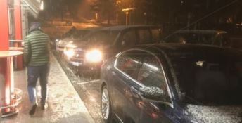 Neve sull'A2 tra Falerna e Rogliano, rallentamenti e disagi (VIDEO)
