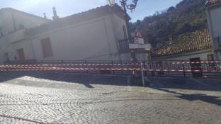Frana nel centro storico di Oriolo, vertice alla Cittadella regionale (VIDEO)