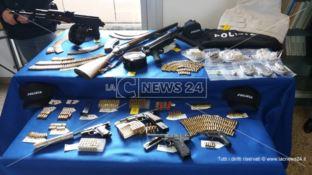 Cosenza, scoperto arsenale in un seminterrato in Via Popilia (VIDEO)