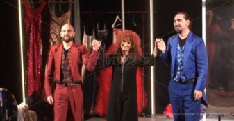 Anna Mazzamauro mattatrice a Soverato (VIDEO)