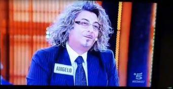 """Cofone """"Frosparo"""" da Bonolis: il protagonista del comizio virale di Acri ad Avanti un altro! (VIDEO)"""