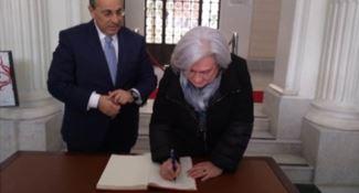 Reggio, Rosy Bindi firma il Registro di Cittadinanza consapevole