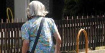 Tenta scippo ad anziana, arrestato un minorenne a Reggio