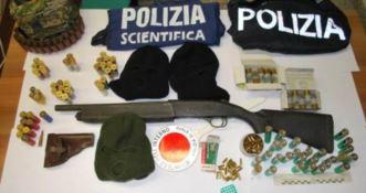 Fucile in un sottotetto a Gerocarne, in manette una 52enne