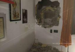 Ciò che resta del muro che conteneva la cassaforte