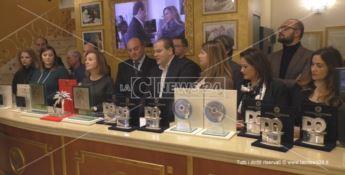 Il Festival di Sanremo parla calabrese, Michele Affidato presenta i premi (VIDEO)