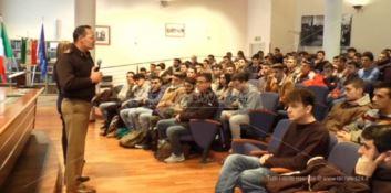 Opportunità di lavoro nell'Esercito, incontro con gli studenti a Catanzaro