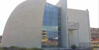 Locri, l'ascensore destinato al teatro installato in una casa privata: 6 indagati