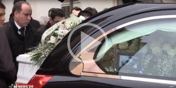 Addio a Vanessa, in migliaia ai funerali della 31enne diventata un simbolo di coraggio (VIDEO)