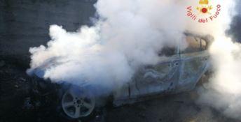 Due auto in fiamme in poche ore nel Catanzarese