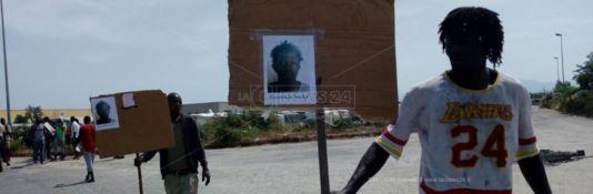 Migrante ucciso a San Calogero. Alta tensione alla tendopoli di San Ferdinando