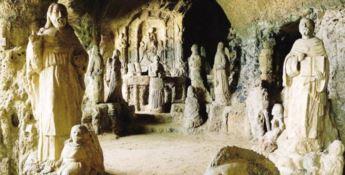 Ha realizzato uno dei monumenti calabresi più famosi, ma la sua tomba è abbandonata