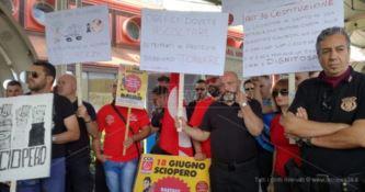 Vigilantes in protesta a Lamezia: da otto mesi senza stipendio