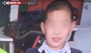 """L'orfano cinese """"adottato"""" dalla città di Pizzo ma allontanato dal Tribunale - VIDEO"""