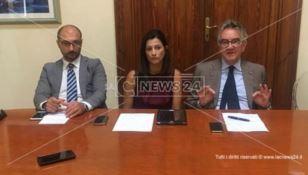 Reggio, divieto di balneazione al lido comunale: Forza Italia contro l'amministrazione Falcomatà -VIDEO