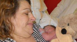 Flora con il neonato Florian