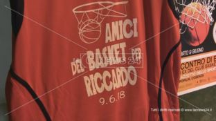 Club basket Cosenza in campo ricordando Riccardo Adamo