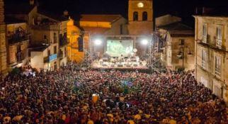 Kaulonia Tarantella Festival, ospiti Hevia e Eugenio Bennato