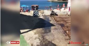 Liquami invadono la strada e si riversano in mare, disagi a Ricadi -VIDEO