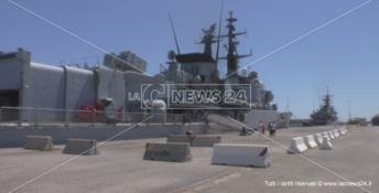 Crotone, l'ultimo viaggio della Fregata Euro e del pattugliatore Aviere - VIDEO