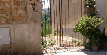 Incidente sul lavoro a Borgia, muore operaio travolto da un muro