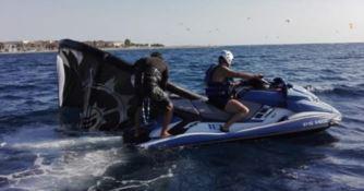 Giovane kitesurfer soccorso al largo di Pellaro