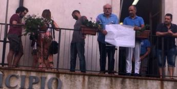 Petrizzi, invalido civile sfrattato: Pap e Usb chiedono un alloggio popolare -VIDEO