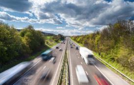 """L'A2 diventa """"smart"""", prima in Italia su cui si potrà viaggiare a guida autonoma"""