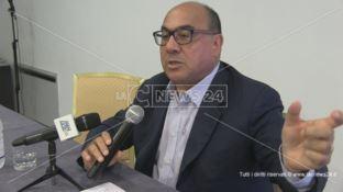 Sanità, la denuncia di Guccione: «Ospedali cosentini non a norma»