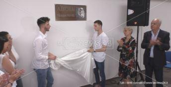 Al 18enne ucciso a Crotone intitolato l'auditorium della sua scuola - VIDEO