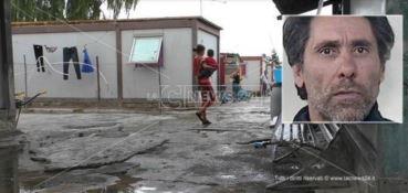 Cinquantenne ucciso nel campo rom di Lamezia, ricercato il killer - VIDEO