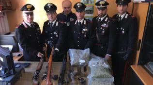 Armi e droga in casa, arrestato pregiudicato di Roggiano Gravina