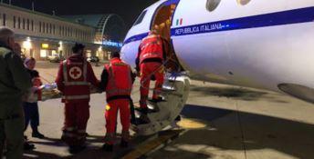 Neonato rischia di morire, trasferito con volo militare da Lamezia a Roma