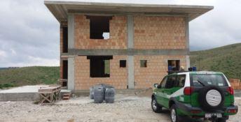 Sequestrato manufatto abusivo in costruzione a Crotone
