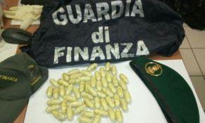 In viaggio con 55 ovuli di eroina, un arresto a Trebisacce