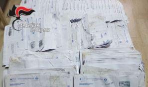 """""""Non avevano voglia di lavorare"""" e gettavano la posta per strada: tre denunce a Joppolo"""