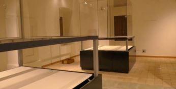 le teche vuote al museo di Locri