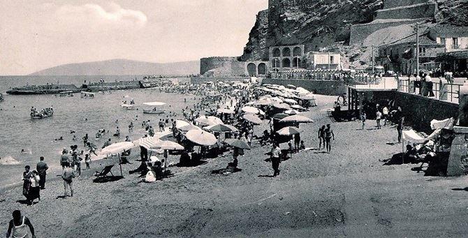 La spiaggia di Pizzo nel dopoguerra