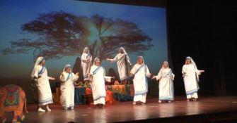 """Madre Teresa di Calcutta rivive nel musical dell'associazione """"Ali d'Aquila"""" (FOTO-VIDEO)"""