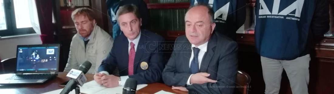 La conferenza stampa a Catanzaro